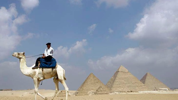A wonder of the world ... the pyramids of Giza, where you will also wonder how all these people were allowed inside to ...