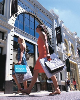 Shopping on trendy King Street in downtown Perth.