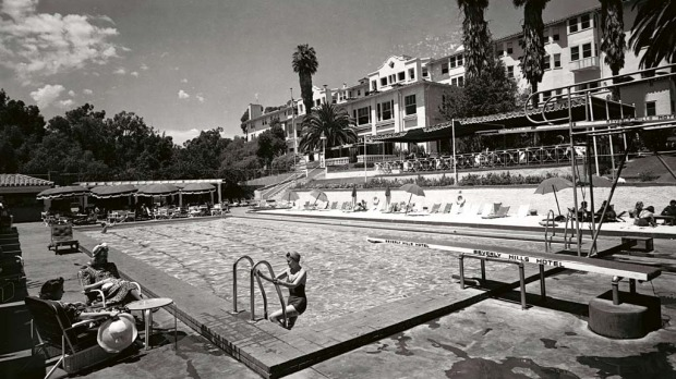 The hotel's pool soon after it was completed in 1938.