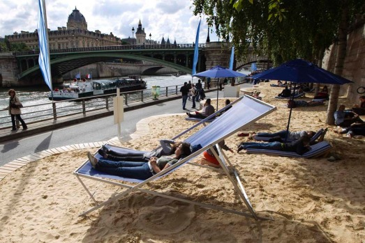 The 11th edition of the Paris-Plage kicks off. Every July and August, roadways on the banks of the Seine River in Paris ...