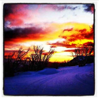 Perisher sunrise shot by @jennyowensski