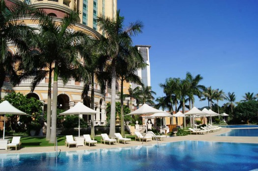 The luxurious Four Season Macau has five outdoor swimming pools.