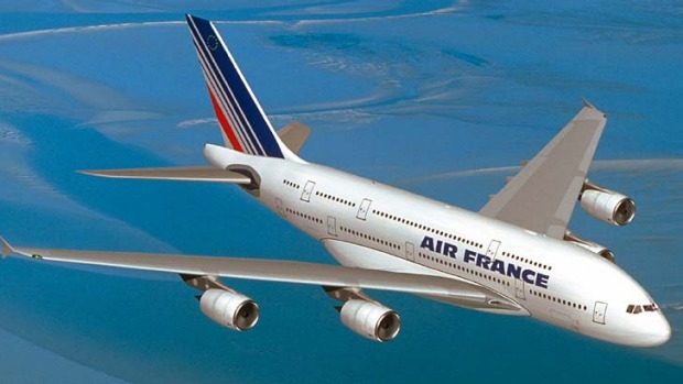Air France passengers were asked to 'chip in' to refuel in Damascus.