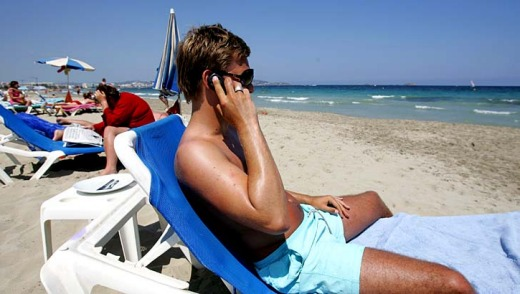 Travellers often return from overseas to be confronted with mobile phone bills running into hundreds or even thousands ...