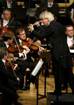 Sir Simon Rattle conducts the Berlin Philharmonic Orchestra.
