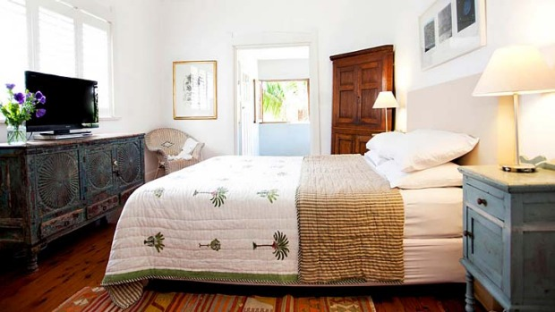 Set on a quiet leafy street, Bondi Beach House is 2 minutes' walk from the bustling beachfront.