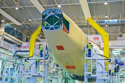 The largest variant, the 350-seat A350-1000, will allow Airbus to compete directly with the twin-engined 777 ...