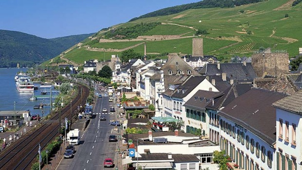 Pretty port ... Rudesheim am Rhine, Germany.