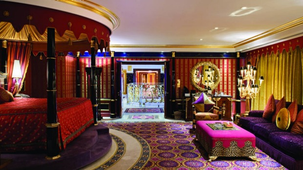 World 39 s most expensive hotel rooms photos for Burj al arab presidential suite