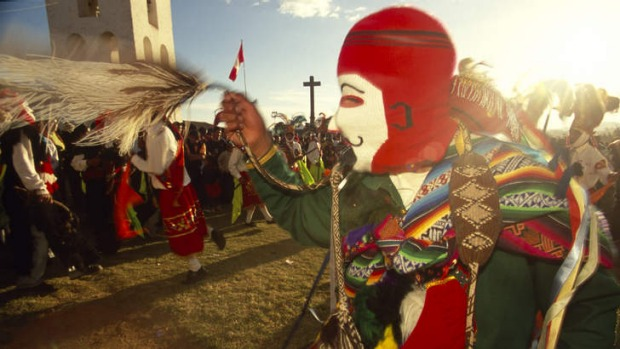Wade Davis has experienced festivals in Peru.