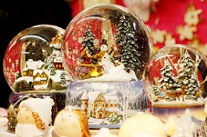 Snowglobes at Christmas market, Vienna.?
