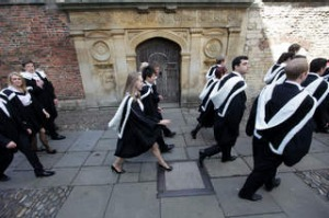 SHD TRAVEL FEBRUARY 24 POSTCARD. CY4583 STUDENTS AT GRADUATION DAY AT CAMBRIDGE UNIVERSITY JUNE 2012. CREDIT ALAMY Not ...