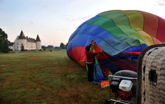 Preparing the balloon to fly.