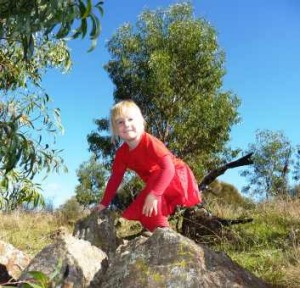 Sarah gets in to the spirit of the Red Hill walk. What would Walter think?
