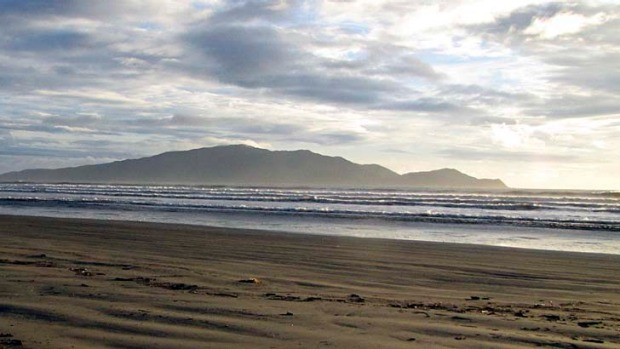 Moutain and sea ... New Zealand's Kapiti Coast.
