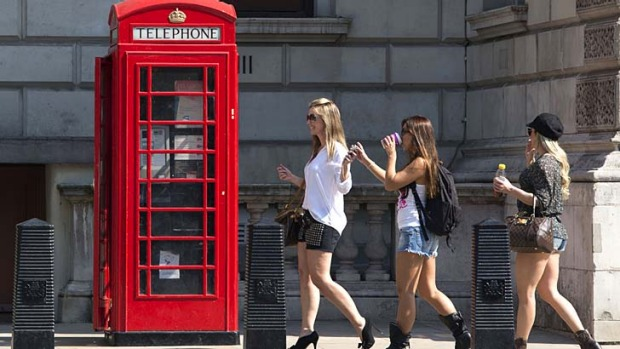 Thanks to the strong Australian dollar, Aussie tourists are flocking to Britain in record numbers - and spending more ...