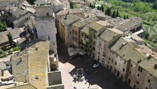 Sing or swim: RelaxSing's choral singing tour in San Gimignano, Tuscany.