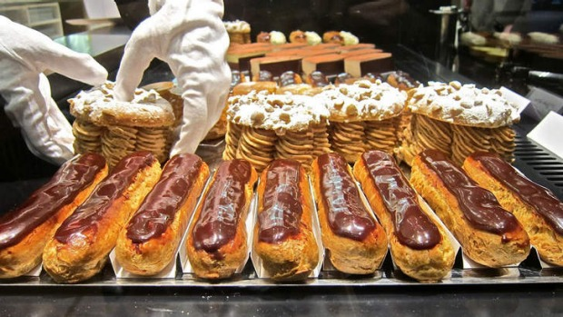 Caramel eclairs at Chocolatier Jacques Genin.