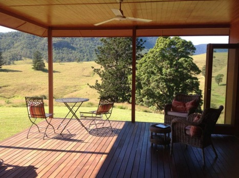 The outside deck of Worendo Cottages has 300-degree views of the surrounding mountains.