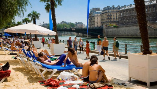 The Paris Plage stretches along the banks of the Seine.