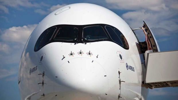 Airbus A350 cockpit windows and nose