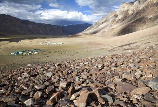 Camp sites at Sarchu on the Manali-Leh highway, India.