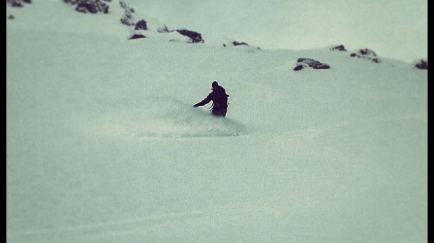 @splitboardnz Freshies in The Remarkables sidecountry. #splitboard #remarkables #queenstown #misssnowitall #liftienz