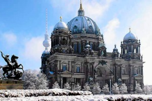 Altes Museum, Berliner Dom, Lustgarten, Berlin, Deutschland shd travel july 21 tripo tripologist  berlin winter getty ...