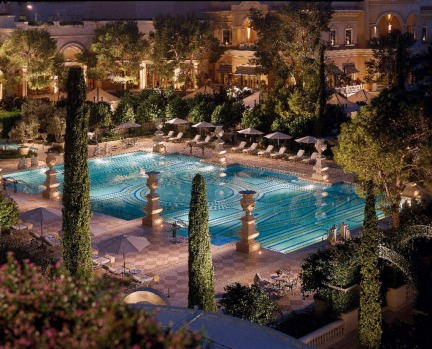 The Bellagio by night.