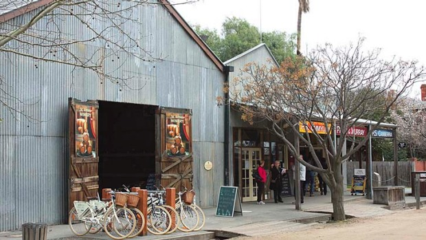 St Anne's Winery's Echuca outlet is a Port Picnic Bike's participant.