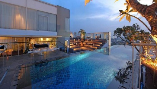 Kemang Icon's rooftop pool.