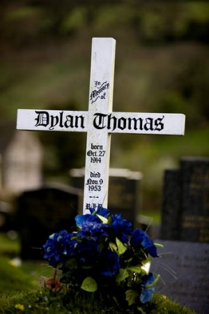 Dylan Thomas's grave at Laugharne.