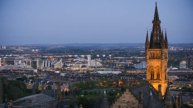 Many faces: University of Glasgow tower.