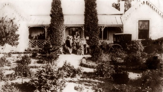 An early photo of Rosebrook homestead.
