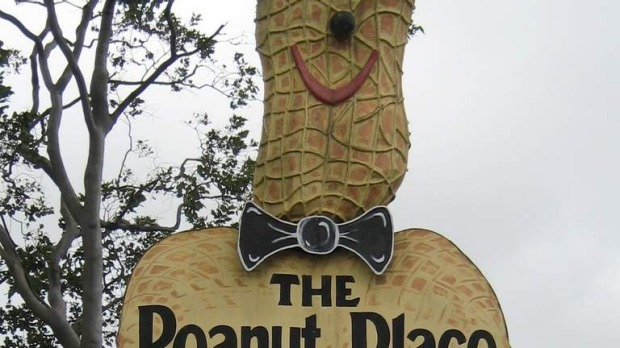 The Big Peanut at Tolga: Wikipedia.