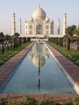 Really, you can't come to India without seeing this stunning wonder of the world. Try to arrive at sunrise to see the ...