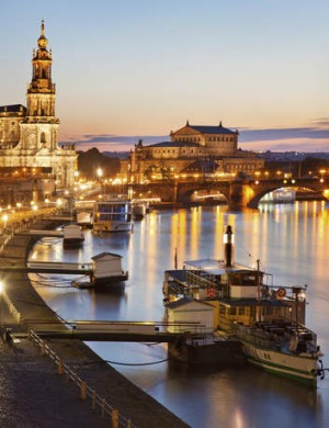 Sunset in Dresden, on the Elbe river.
