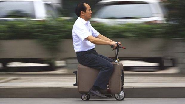 The suitcase has a top speed of up to 20km/h and the power capacity to travel up to 50-60km after one charge.