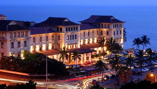 Prime position for sunsets: Galle Face Hotel.