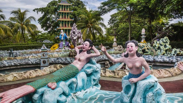 Grotesque: Haw Par Villa in Singapore, teaching us a few things about Chinese morality.