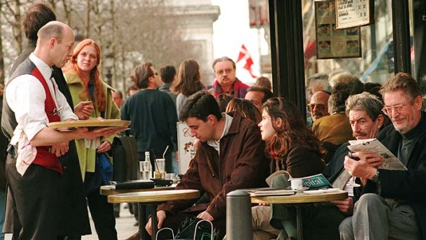 Don't get distracted: Tourists should remain alert even while having a drink at a cafe.