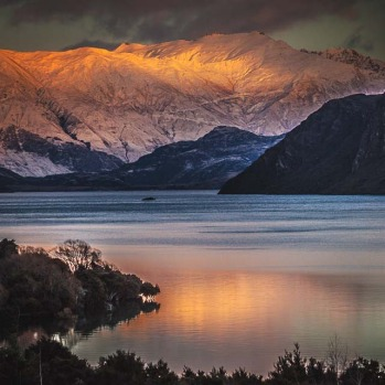 First light across wanaka.