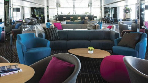 Emerald Waterways' Horizon Lounge.
