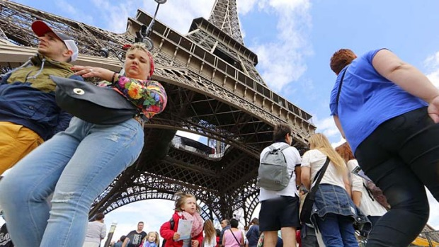 Apps are helping tourists see Paris from a different perspective.