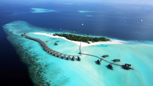 Day dream ... Cocoa Island resort by air.