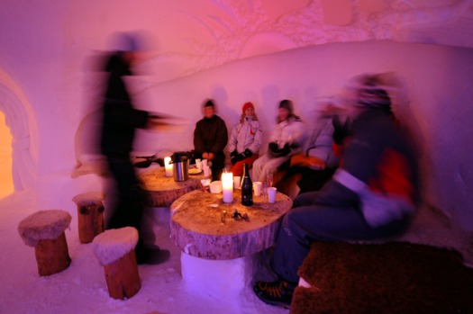 Last year, 9000 people spent a night in accommodation ranging from a more summmary standard igloo (119 euros on weekends ...