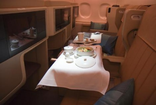 Business Class dining on Singapore Airlines A380.