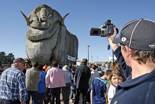 Townsfolk watch The Big Merino tourist attraction move down the Hume Highway to its current location just south of ...