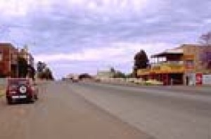 The wide main street of Coolgardie