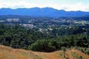 Bellingen from the Rotary Lookout looking towards the Dorrigo Plateau
